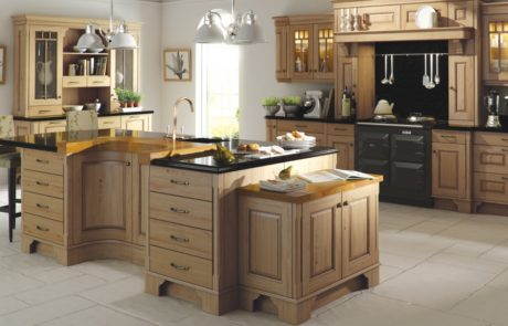 dante-oak-antiqued-kitchen-hero