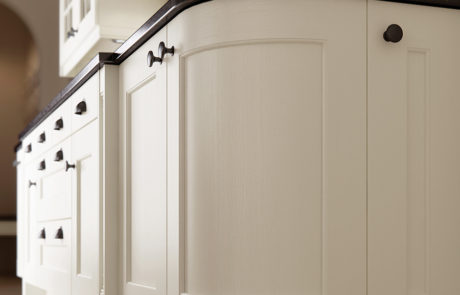 classic-traditional-country-wakefield-painted-ivory-kitchen-quadrant-door