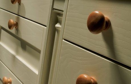 modern-contemporary-classic-madison-painted-ivory-kitchen-box-pilaster