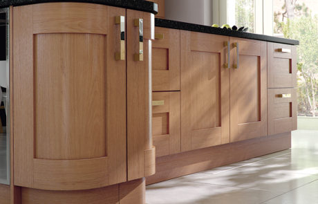modern-contemporary-classic-windsor-shaker-oak-kitchen-island-quadrant-doors