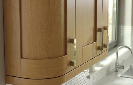 modern-contemporary-classic-windsor-shaker-oak-kitchen-quadrant-wall-unit
