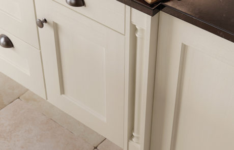 modern-contemporary-wakefield-painted-ivory-kitchen-box-pilaster